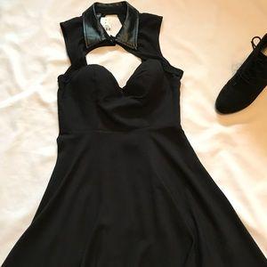 ♦️LF Original Sin Black Collar Dress
